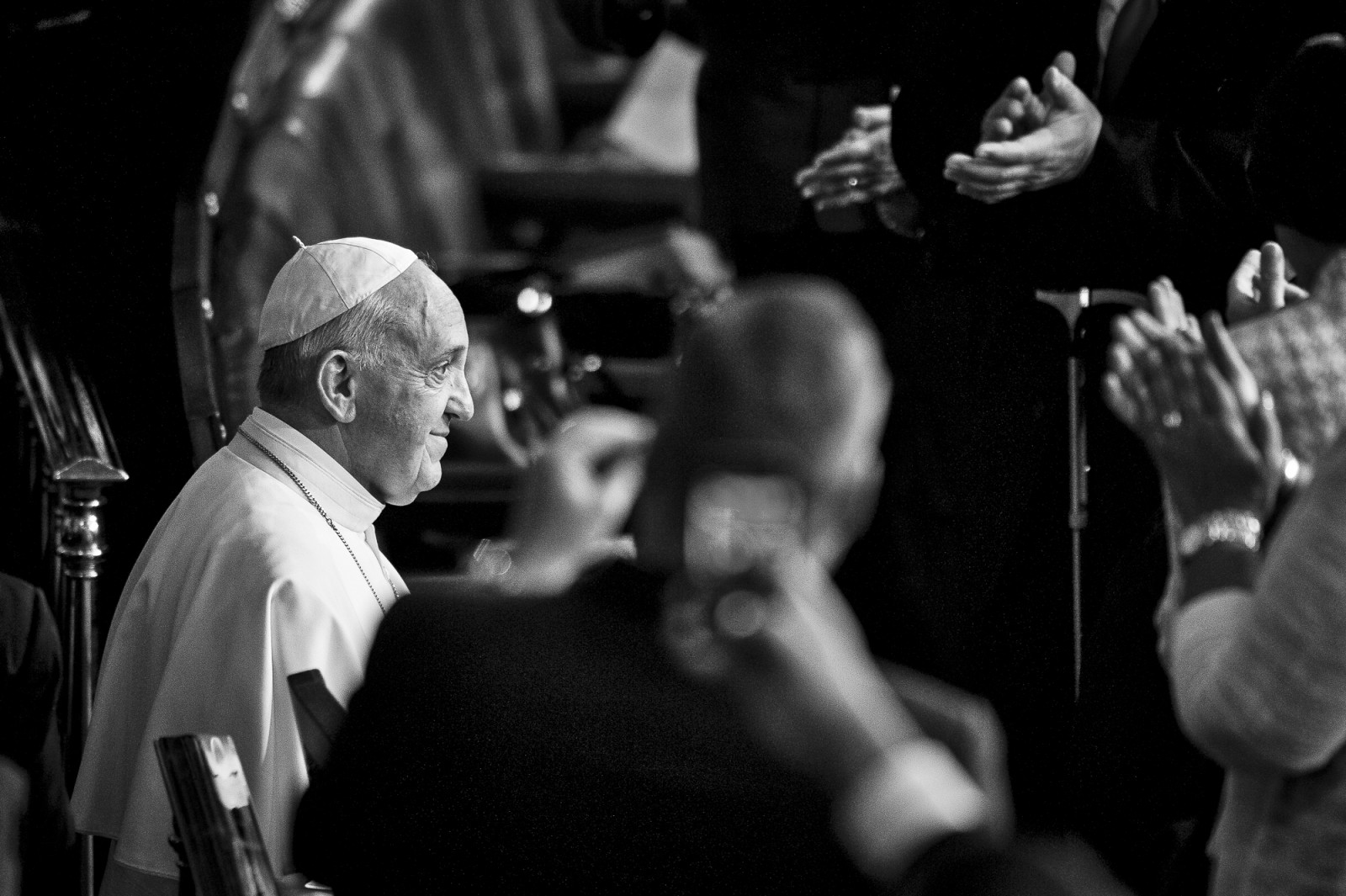 Pope Francis enters the chamber of the House of Representatives as he continues his six-day U.S. tour speaking to a joint meeting of Congress at the U.S. Capitol in Washington, District of Columbia, U.S., on Thursday, Sept. 24, 2015. Credit: Pete Marovich/Bloomberg