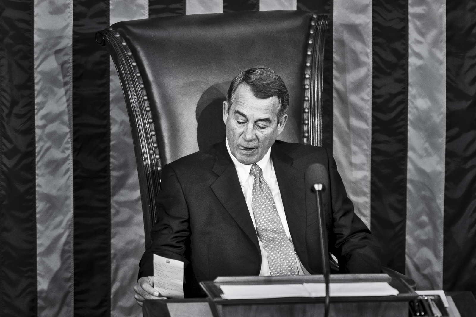 Speaker of the House John Boehner (R-OH) reads a personal note shortly after Rep. Paul Ryan (R-WI) was elected to be the  62nd Speaker of the House on October 29, 2015 in Washington, D.C. Earlier the outgoing Speaker, Rep. John Boehner (R-OH), gave his farewell address to Congress. He is retiring on October 30, 2015. Photo by Pete Marovich/UPI